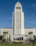 Los_Angeles_City_Hall_front_view_2014.jpg